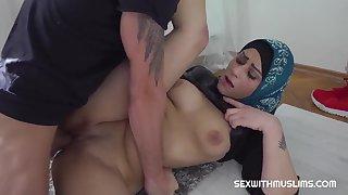 Klaudia Diamond - Muslim Tolerant Got Make an issue of Penis In Her Brashness